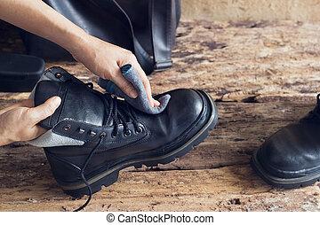 shoeshine stock fotos und bilder 347 shoeshine bilder und lizenzfreie fotografie zur auswahl. Black Bedroom Furniture Sets. Home Design Ideas