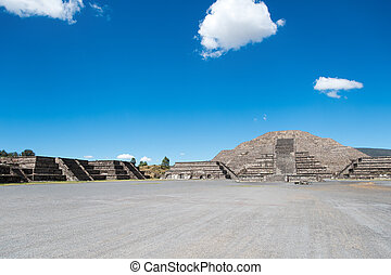 Pyramid and Plaza of the Moon