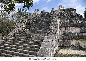 Pyramid in Chichen Itza