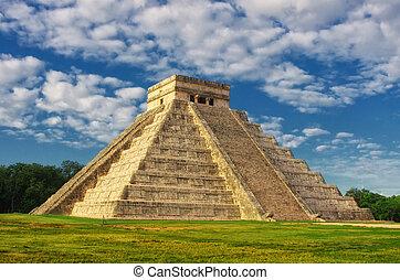 Pyramid in Chichen Itza, Temple of Kukulkan. Yucatan. Mexico...