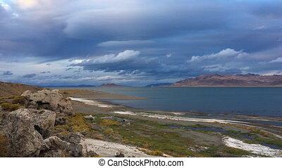 Pyramid Lake Nevada Tufas at Sunset - Beautiful Rock...