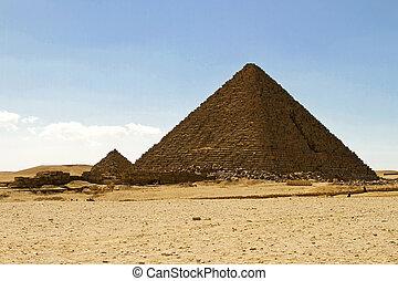 Pyramid Menkaure - Pyramid of Pharaoh Menakaure at Egypt...