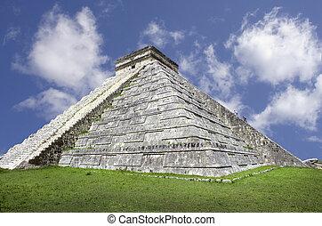 Pyramid, Mexico - Ancient Mayan pyramid, Kukulcan Temple at...