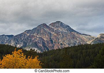Pyramid Mountain, Canada