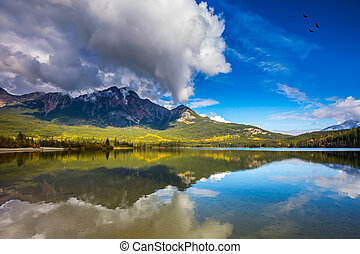 Pyramid Mountain reflected in the Pyramid Lake - Frosty ...