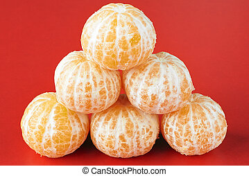 Pyramid of tangerines