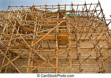 Pyramid scaffoldings