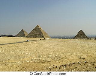 Pyramids of Egypt - The three Pyramids of Giza (Giseh)...