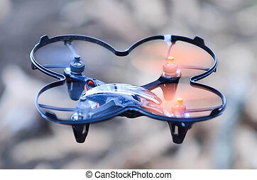 quadcopter, éloigné, mi air, bourdon, contrôlé