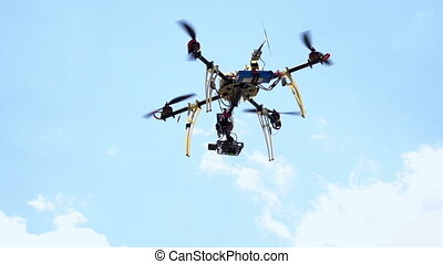 Quadcopter - Radio controlled hexacopter flying machine....