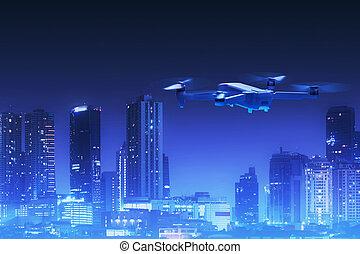 quadcopter, ville, voler, au-dessus, bourdon