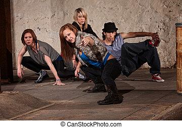 quadril, quatro, adolescentes, pose, elegante