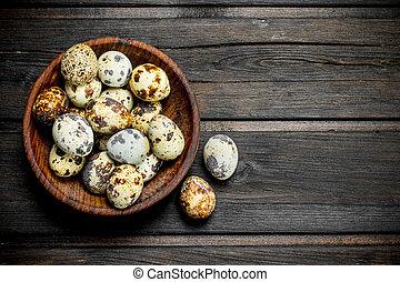 Quail eggs in the bowl.