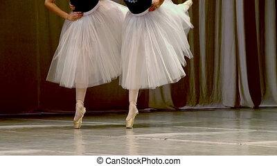 quatre, danseurs