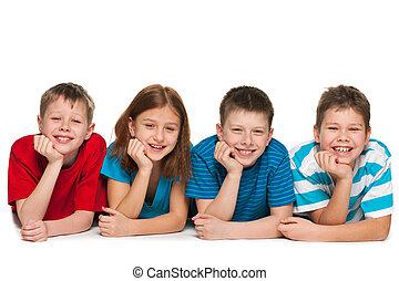quatre enfants, mensonge, plancher