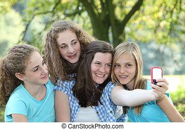 quatre filles, adolescent, parc, séduisant