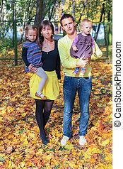 quatre, marche, famille, parc, jeune, jaune, charmer, automne
