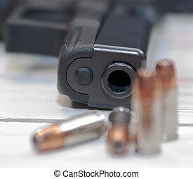 quatre, noir, pistolet, balles, fond