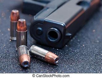 quatre, noir, pistolet, balles