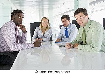 quatre, salle réunion, businesspeople