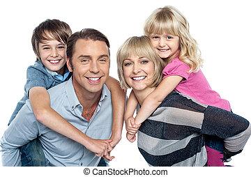 quatre, studio, famille caucasienne