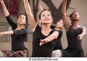 quatro, dançarinos, rehearsing