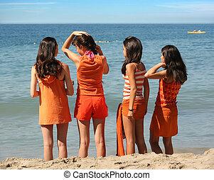 quatro meninas, praia