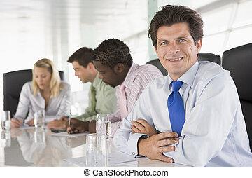 quatro, sala reuniões, sorrindo, businesspeople