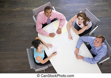 quatro, sala reuniões, sorrindo, businesspeople, tabela