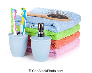 quatro, toothbrushes, líquido, sabonetes, hairbrush, e, coloridos, toalhas