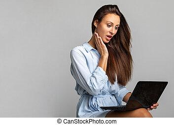 que, laptop, ela, menina, serra, surpreendido