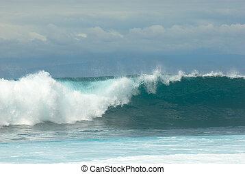quebrando onda
