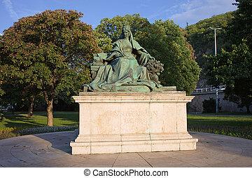 Queen Elizabeth Statue in Budapest