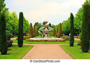 Queen Mary\'s Park in Springtime