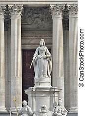 Queen Victoria stone statue in front of St Pauls cathedral