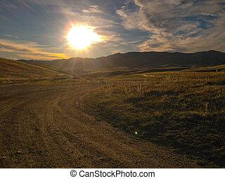 queenstown, zelândia, sujeira, panorâmico, novo, durante, pôr do sol, estrada