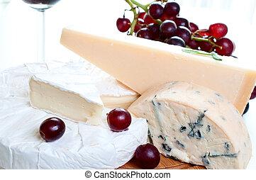 queso azul, rojo, parmesano, brie, vino