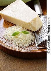 queso rallado, parmesano