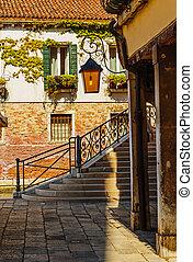 Quiet Italian patio in Venice