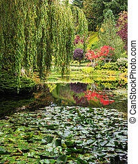 Fantastic floral Butchart Gardens - Quiet pond, overgrown ...