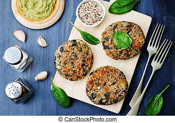 quinoa, épinards, vegan, hamburger, pois chiches, aubergine
