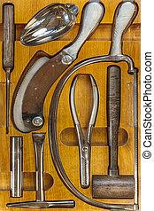 quirúrgico, caja de madera, doctor, antiguo, equipo