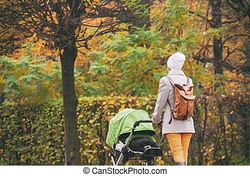 rámenős, liget, fiatal, ősz, anya, sétáló