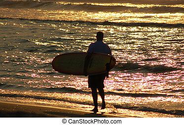 ráno, surfer