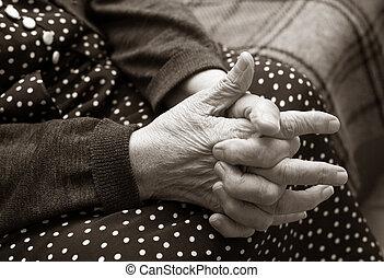räcker, av, den, äldre kvinna