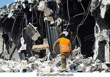 rädda, byggnad, genom, katastrof, stenskärv, leta, efter
