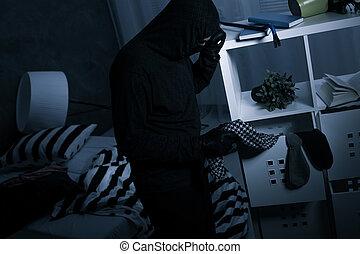 rånare, in, mörk, kletigt rum