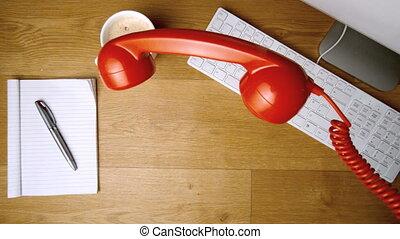 récepteur téléphone, fermé, tomber, sur, rouges