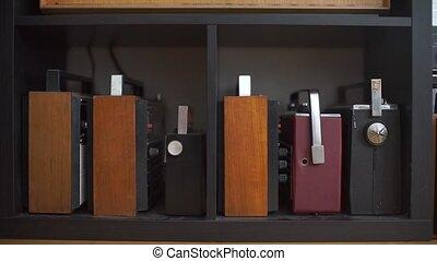 récepteurs, vieux, étagère, collection, stand