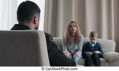 réception, conseiller, famille, maman, fils